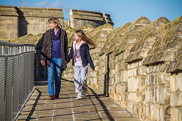 Family-on-Lincoln-Castle-Walls-6w